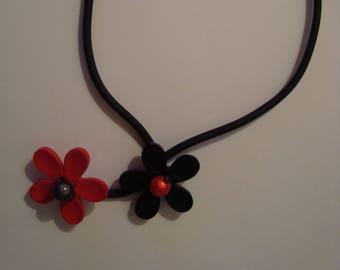 Necklace original black and red flower