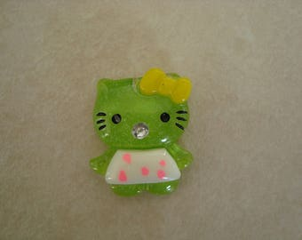 Cabochon green cat with his yellow bow