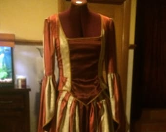 """Victorian Gown with Bustle """"ALEXANDRA"""""""