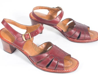 00902c0f3 VTG 70 s size 9 Women s Maroon Leather Strappy Sandals Retro Wood Stacked  Heels High Heel Straps Open Toe