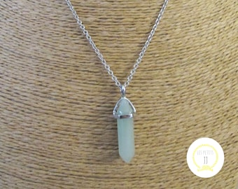 Green natural stone silver pendant necklace