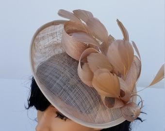 6d76d895c12 Beige champagne Fascinator Hat - Wedding Hat, Kentucky Derby Hat, Melbourne  Race Hat, Ascot, Cocktail Party Hat, Church