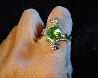 Green peridot silver tone ring
