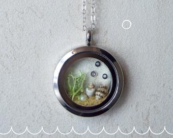 """Under the sea"" transparent floating pendant necklace"