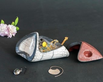 Jewelry box one of a kind, White Bronze crackled . Treasure box Ceramic Handmade 45 Trinket box Ceramic Lidded box Raku fired