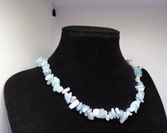 Navy irregilieres aquamarine beaded necklace