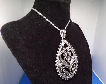 Lovely antique silver pendant necklace