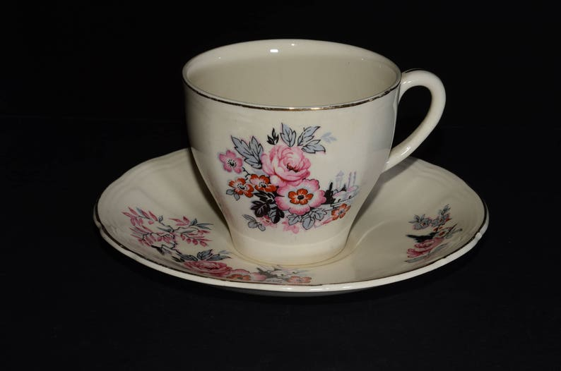 Alfred Meakin 4 Cups And Saucers Gold Leaf And Flower Pottery, Porcelain & Glass