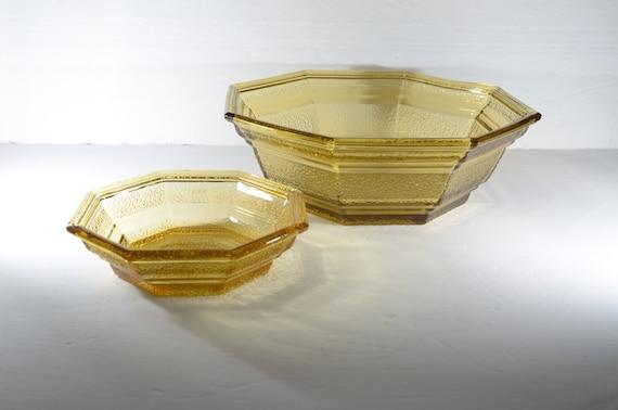 Large Anchor Hocking Amber Glass Bowl