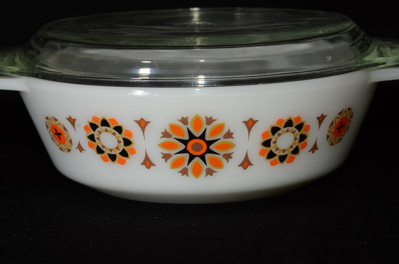 505 PYREX ENGLAND brown mini Kitchen dish,orange Pyrex vintage glass lid black casserole dish Toledo Vintage Cottage Decor