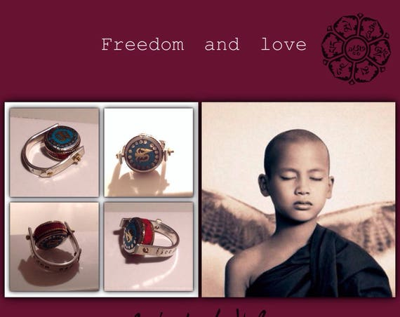 """Ethnic ring """"Freedom and love"""" in silver with Nepalese pearl OM"""