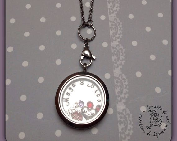 Necklace with glass pendant, plate with first names and charms inside
