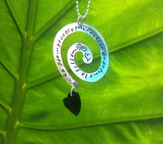 """Collier spiral et coeur noir Swarovski  """" à la folie..."""""""
