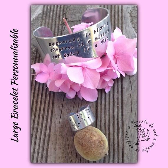 Large bracelet, customizable bracelet, aluminum bracelet, custom jewelry, cuff
