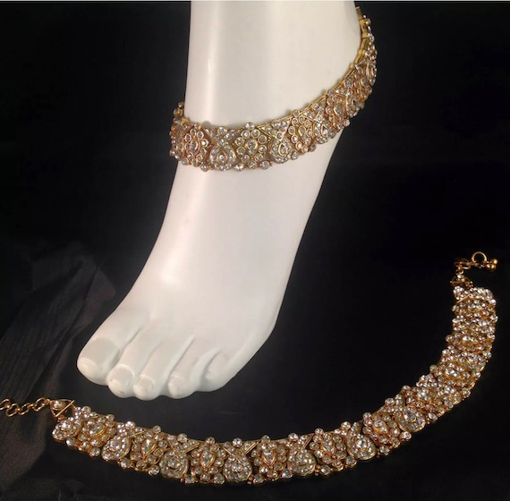 Diya Pair of Gold & diamanté anklet/payal