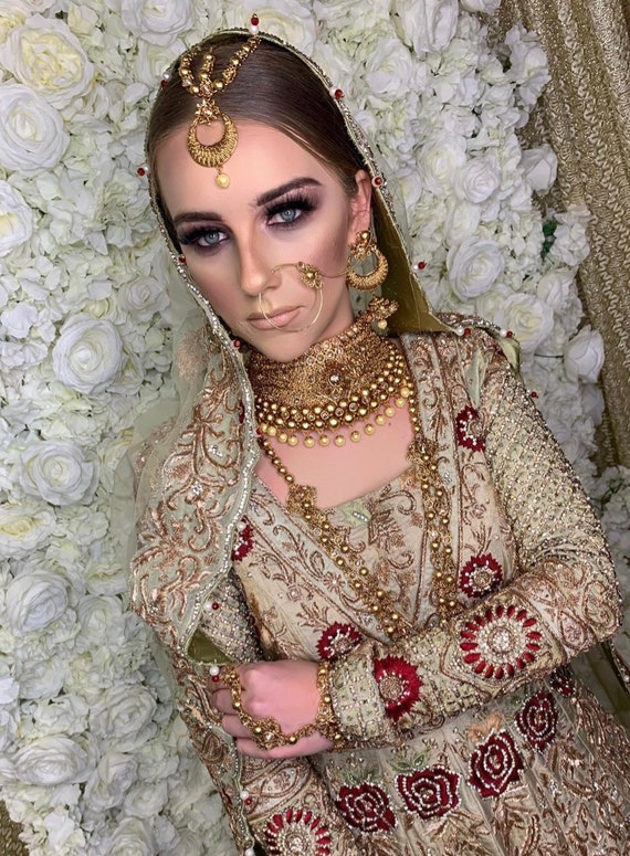 Aroosa Gold zirconia pearl 9 piece indian Bridal Pakistani jewelry set