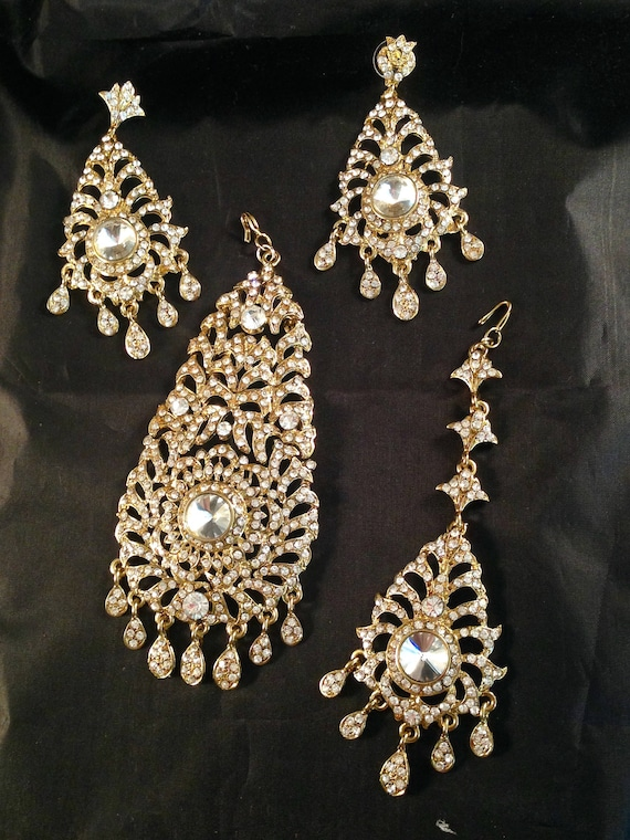 Raaji gold Diamanté Jhumar, earrings and tikka set