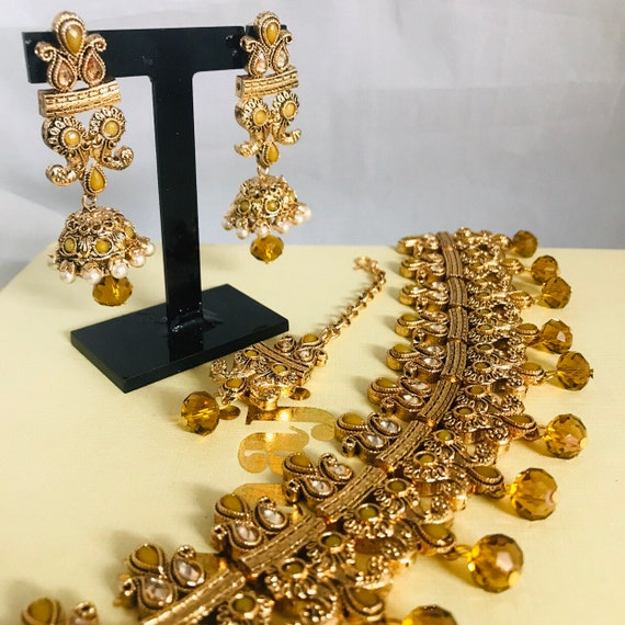 Zelda Gold pearl choker necklace jhumka earrings tikka set indian Bridal Pakistani jewellery