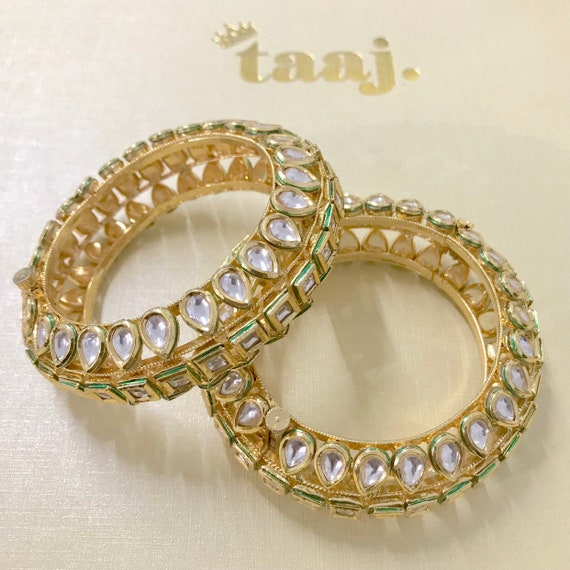 Razia Gold handcrafted pair of kundan kara bangle bracelet free size