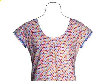 Blue, red and yellow triangles on white cotton t-shirt or blouse