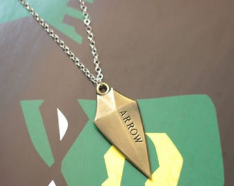 Arrow Inspired Arrowhead Necklace - Oliver Queen Green Arrow Bronze