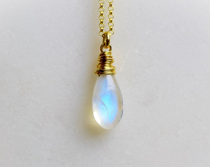 Featured listing image: Dainty Moonstone Necklace
