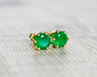 6mm Green Onyx Studs in Gold Fill