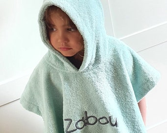 Personalisable hooded bath poncho for children aged 1 to 4 with first name