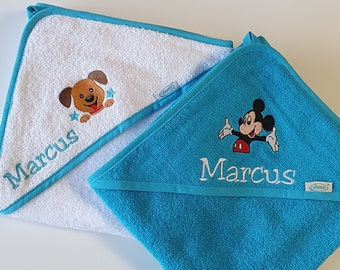 Customizable outing/bath cape with first name and image to choose from (Disney, animals, sports)