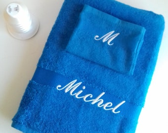 Bath towel with matching glove, embroidered with first name, initials or other small text. Two sizes available.