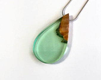 Wood necklace, unique gifts for her, Wood and resin Jewelry, Unique jewelry, jewelry for her, resin pendant, Statement jewelry, unique gifts