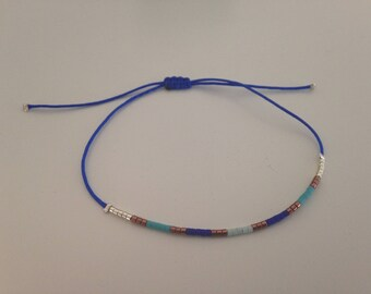 Bracelet in cobalt jade wire and Japanese glass beads