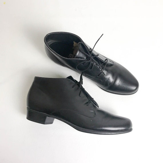 order online half off factory price 90s Black Leather Lace Up Ankle Booties Women's Size 7.5, Minimalist  Leather Ankle Boots, 90s Black Leather Boots