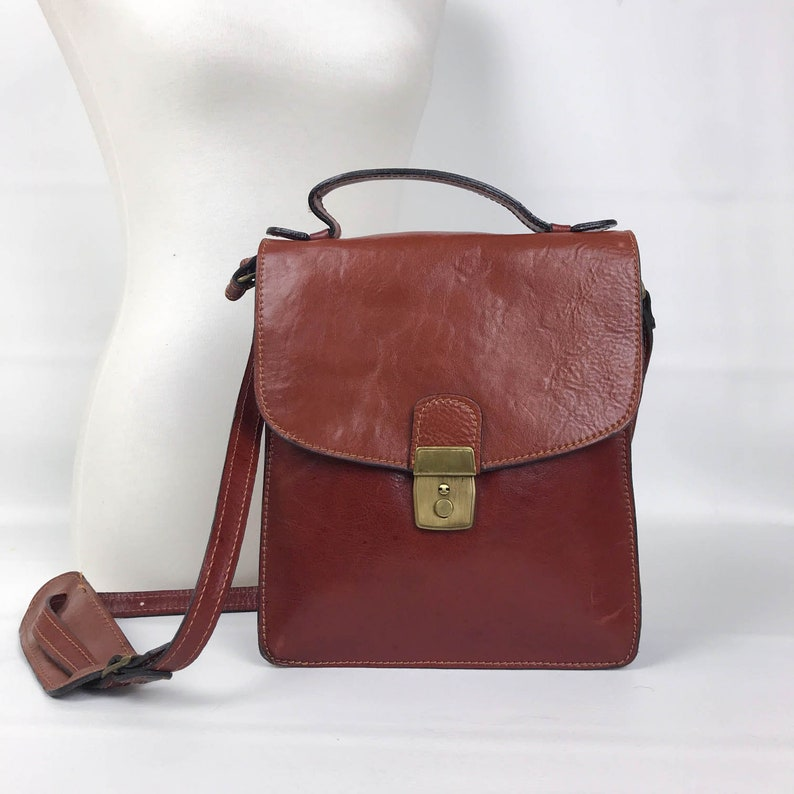 56c92a5a9d82 70s Brown Italian Leather Top Handle Station Bag Italian