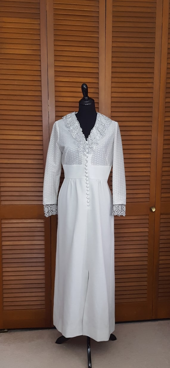 Vintage 1970s Nardis of Dallas Silvery Polyester D
