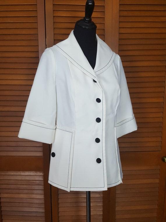 Vintage 1970s Nardis of Dallas White Polyester Nau