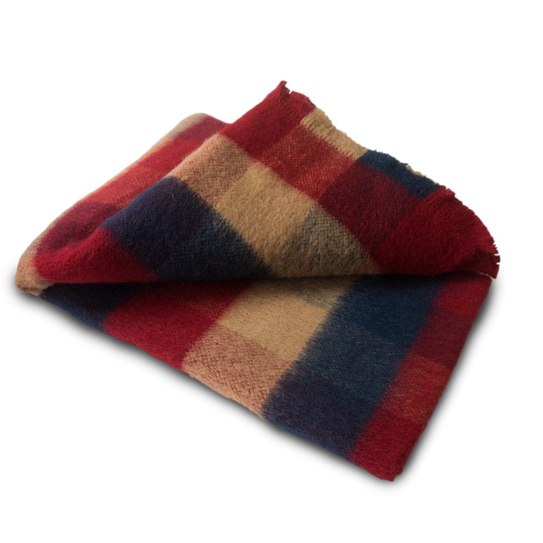 Couverture tissée Jeter La laine noire Blanket Hand Loomed Sofa Throw Organic Blanket READY To SHIP Plaid (fr) Jeter des couvertures Lancer de lin
