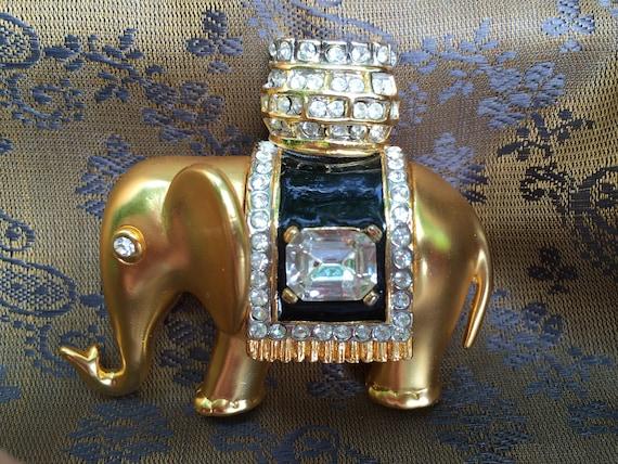 Vintage Unsigned CINER Elephant Brooch, Goldtone m