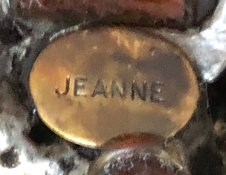 Silvertone Metal Cat/'s Eye Cabochons Pink Rhinestones Signed Jeanne@ RARE Vintage Jeanne Dome Brooch Square Crackle Art Glass Cabochons