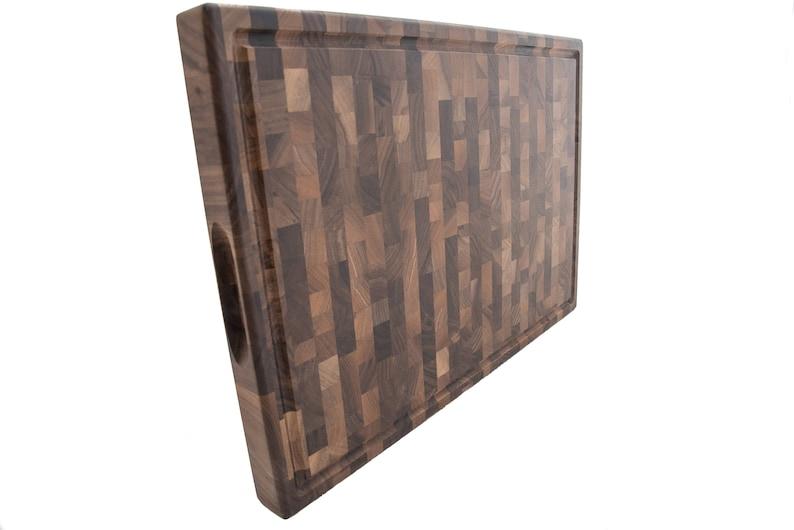 Juice Groove and Finger Grips 20 x 14 x 1.5 Serving Board Walnut End Grain Cutting Board Butcher Block Chopping Board Wooden