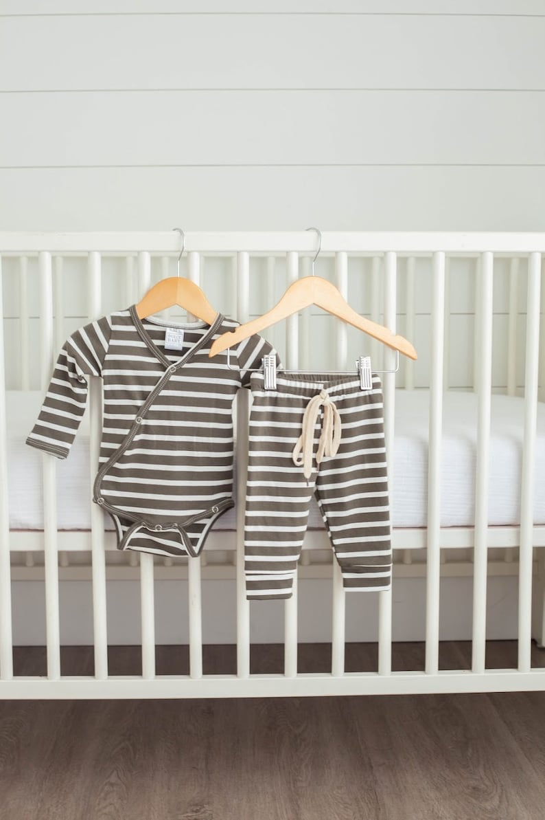 Coming Home Outfit Baby Jogger Newborn Baby Onesie Baby Shower Baby Gift Olive Green /& White Stripe Baby Jogger Outfit Baby Girl