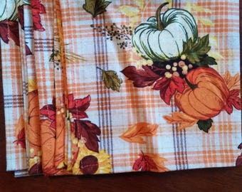 Table runner with Napkins