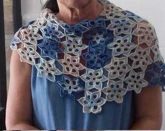 248190b860a châle fleurs bleues fait main