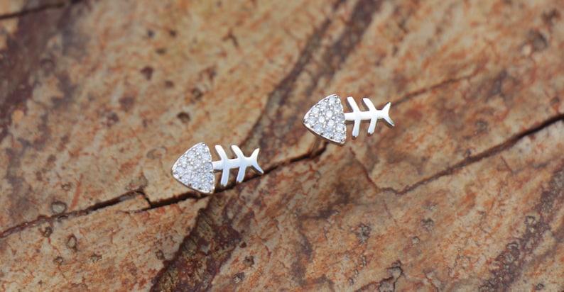 Wholesale Elegant 925 Sterling Silver Filled Fish Bone Dangle Earrings