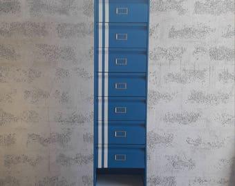 "Clamshell ""Gordini"" metal furniture"