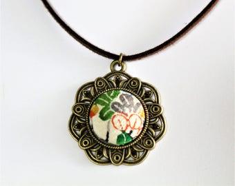 Flower Fashion Pendant Necklace / Vintage Japanese Kimono Fabric / Gift BOX HANDMADE 58