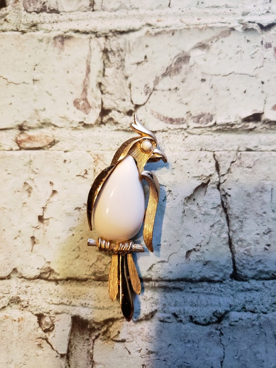 Vintage Crown Trifari Parrot / Bird Brooch White L