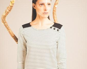 Sailor stripes, contrasting yoke, long sleeve t-shirt. Comforting. Maillagogo