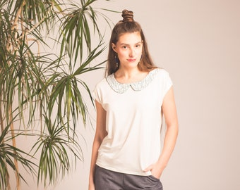 Bamboo with contrasting Peter Pan collar T-shirt. Maillagogo