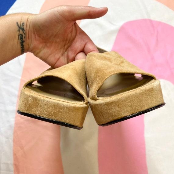 Vintage 90s Tan Suede Platform Sandals - image 5